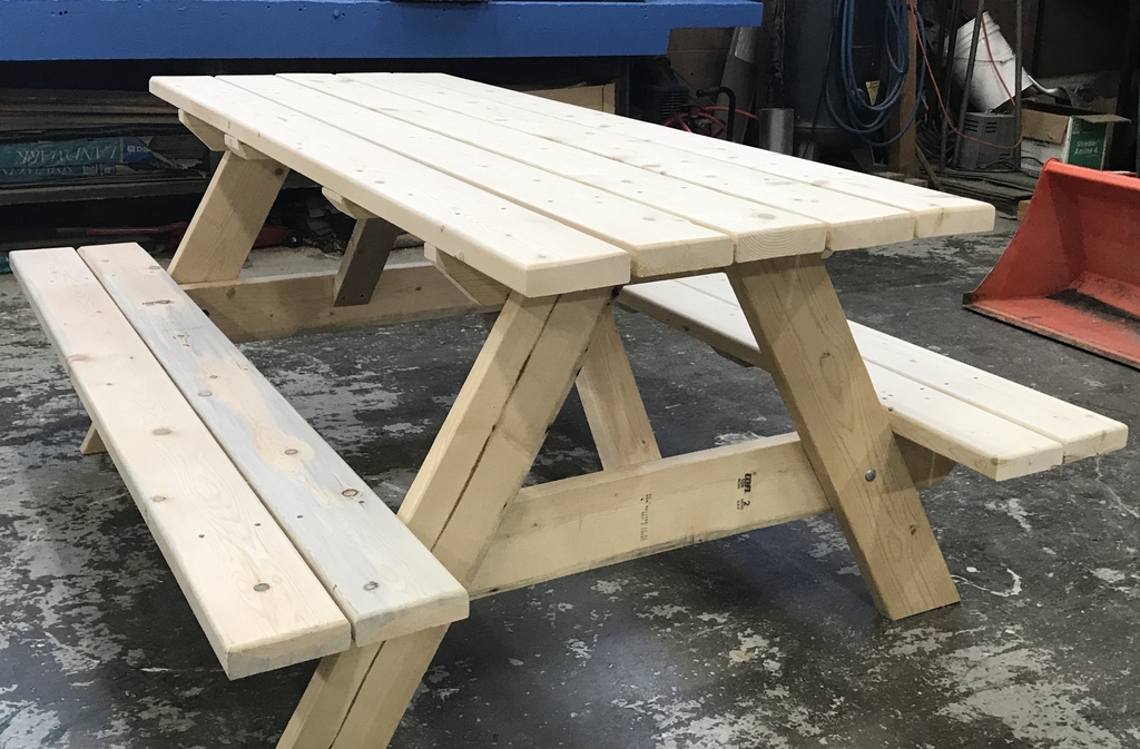 6 foot picnic table to give away
